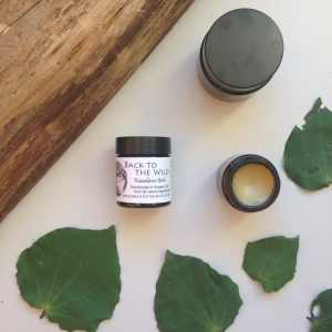 Kawakawa balm is anti-microbial, soothes irritation, reduces inflammation & improves circulation.